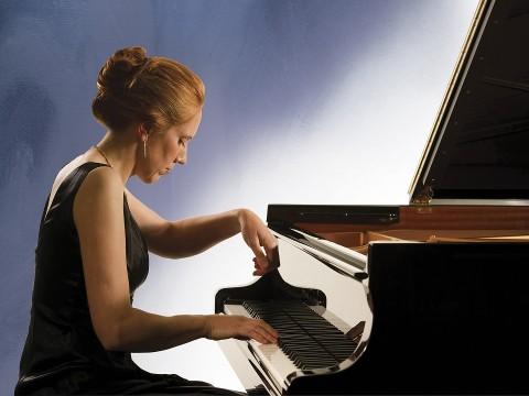 Tư vấn cách chọn đàn piano cơ cho người lớn