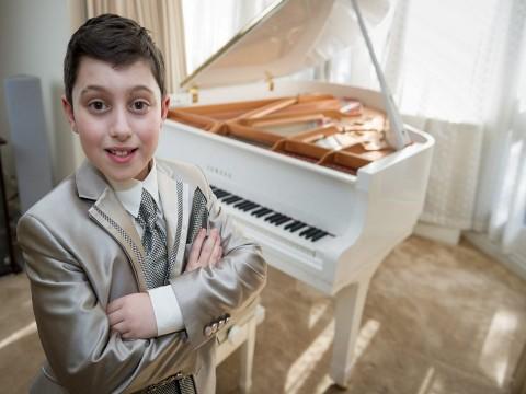 Câu chuyện về thần đồng piano mới chỉ 11 tuổi