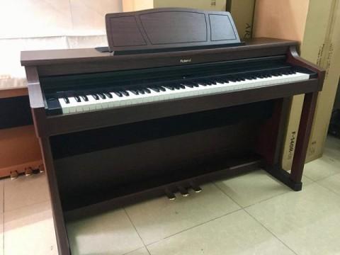 Roland HP7