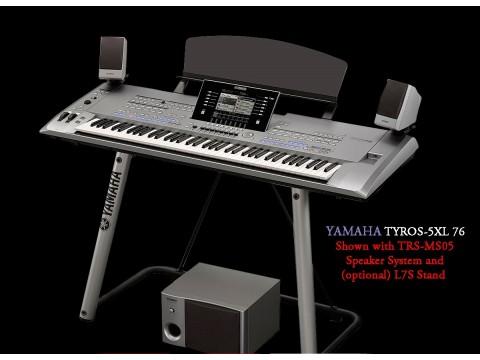 Yamaha Tyros 5 – 76 Phím