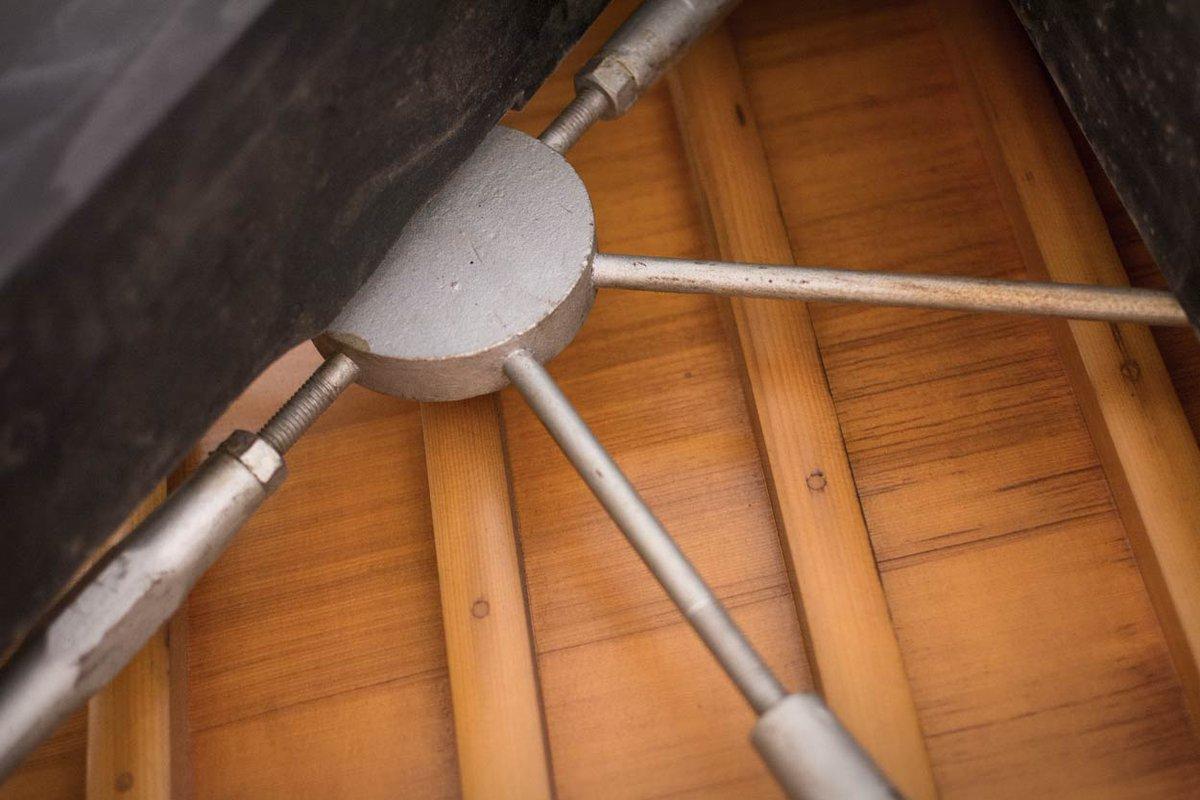 hệ thống giữ khung soundboard crown retension piano mason hamlin