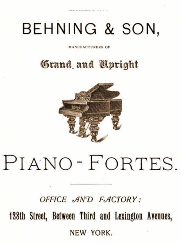 piano behing