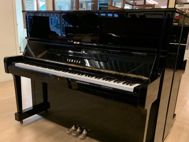 hình ảnh đàn piano yamaha u10bl